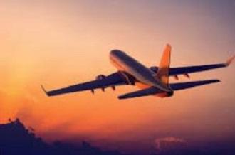 Restriction-des-liaisons-aeriennes-les-touristes-munis-d-un-billet-retour-pourront-rentrer-chez-eux_large